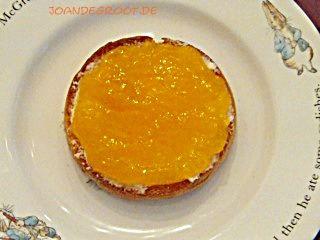 Frisch-Fruchtig ist diese Marmelade, durch Orange, Mango und Ananas. Ich war extrem Faul und habe Ananas und Mango tiefgekühlt eingekauft beim Discounter meines Vertrauens.