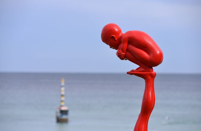 Chen Wenling, games (2010), Sculpture by the Sea,
