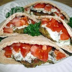 Falafel met yoghurt komkommersaus