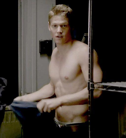 A shirtless Matt (Zach Roerig) on The Vampire Diaries