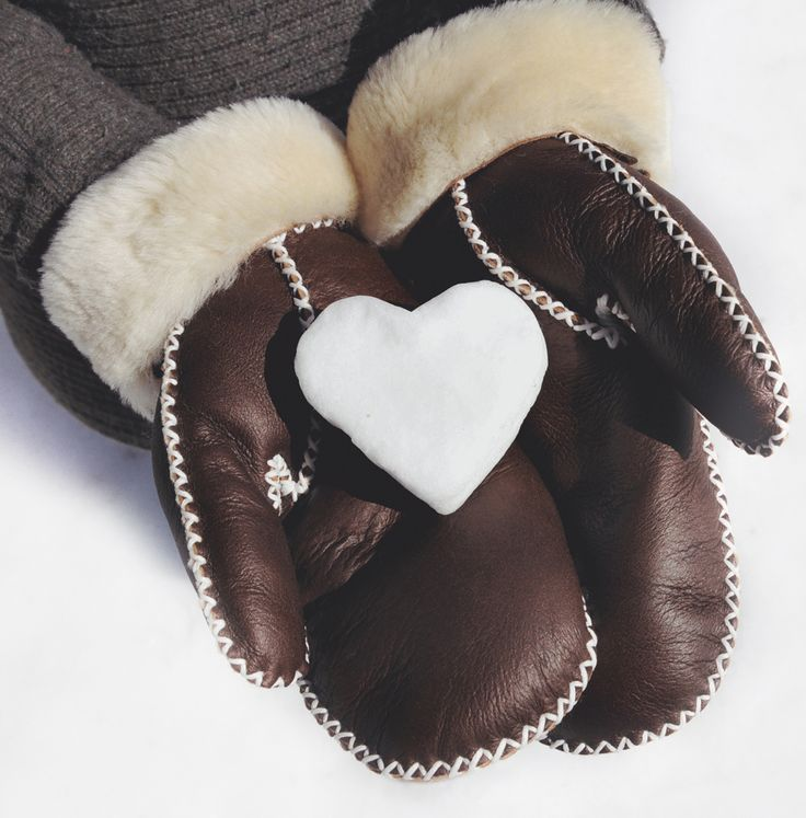 So much love for our premium leather mittens this season! Made with the highest quality double-faced sheepskin.