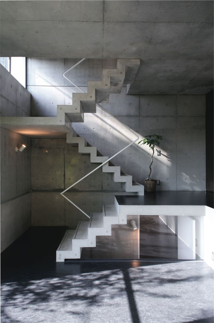 Best Rcで打ち込んだコンクリート階段。圧倒的な迫力です。 東京組の階段|階段はデザインのアクセント 640 x 480