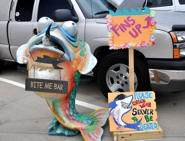 """Jimmy Buffett """"Welcome to Fin Land"""" 2011 Tour at Pizza Hut Park in Frisco: How to Decorate Your Parking Space for a Jimmy Buffett Concert"""