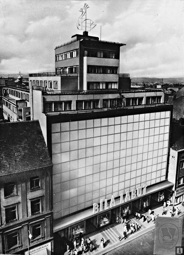 Bílá Labuť, 1939 | Funkcionalism | Josef Kittrich & Josef Hrubý | (OD Brouk a Babka)