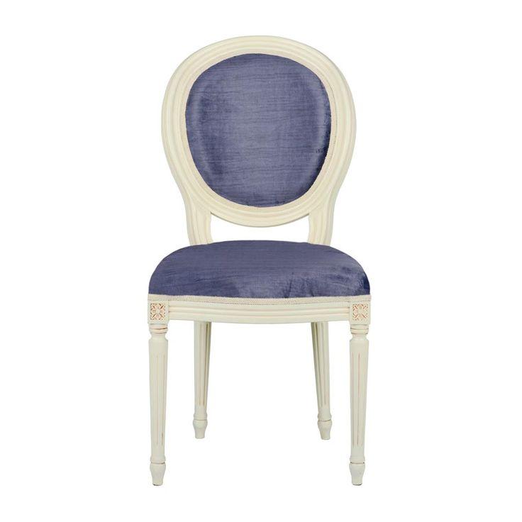 Pentru tapițarea scaunului Stillo Inchiostro vă punem la dispoziție peste douăzeci de modele de stofă!