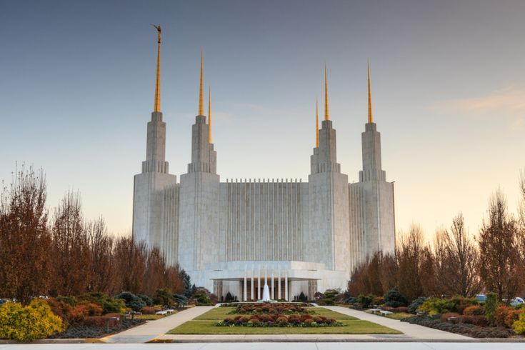 5 Things Everyone Should Know AboutMormons...this article is just helpful to understand Mormon beliefs from an outsider's perspective!  I grew up in a Baptist church, so there are differences!
