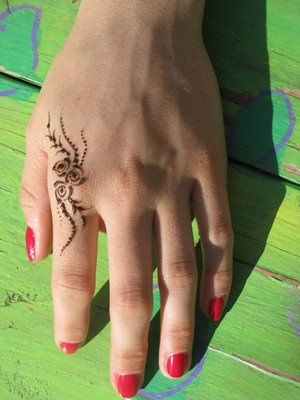 *Simple Henna at 3rd st stuff* by Volcano Henna, via Flickr