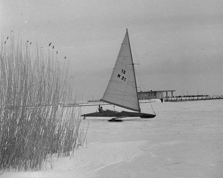 Balatonfüred, jégvitorlás, 1966.  Fotó: Kotnyek Antal, fortepan