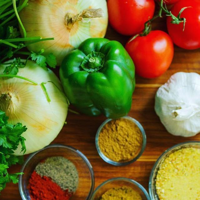 There's nothing like fresh vegetables and gourmet spices on a sunny day! Get inspired and create something delicious tonight - recipes on our website ❤️☀️