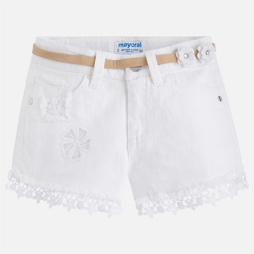 With its embroidered floral lace trim, these white shorts by Mayoral, are made in stretchy cotton denim. They have a synthetic leather belt, embellished with pretty floral appliqué, and a popper and zip fastening, with an adjustable waist for a perfect fit.