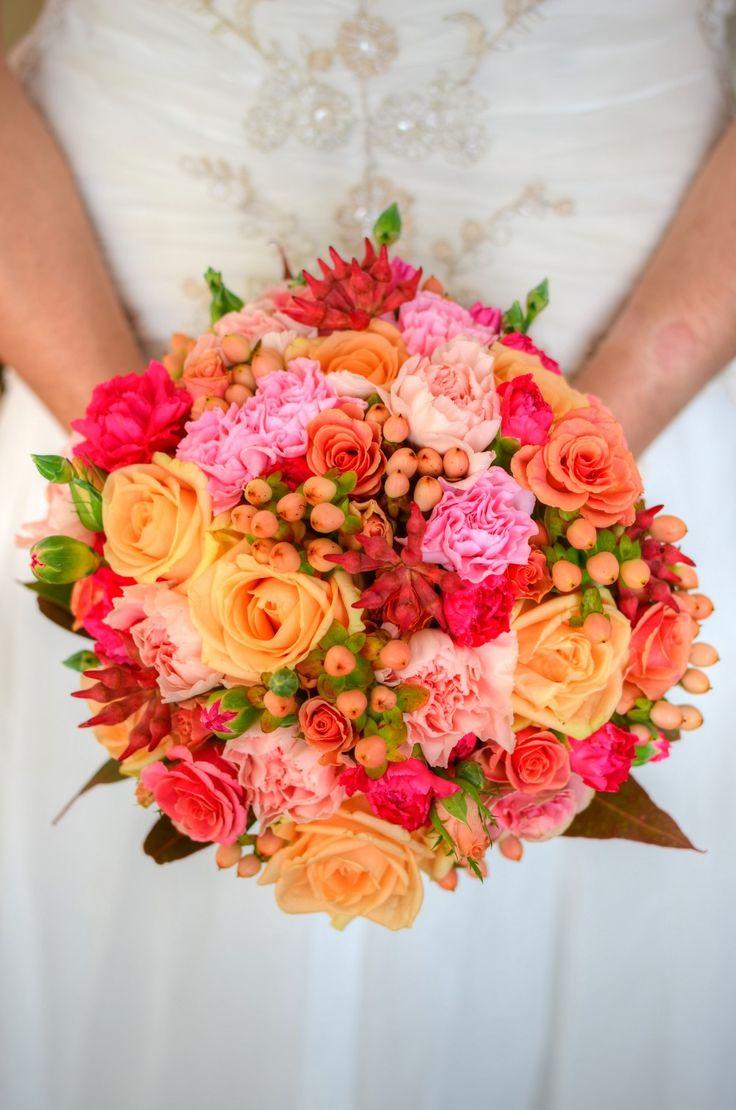Dekoracje ślubne Toruń i okolice Kwiaciarnia Green Place oferuje piękne bukiety ślubne.
