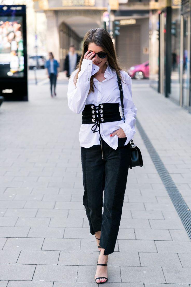 Statement Piece :: Corset Belt & Two-Tone Jeans