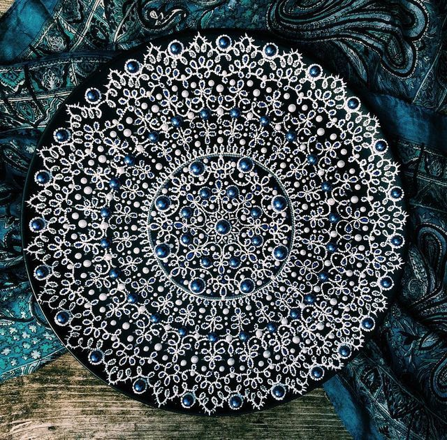 Intricately Detailed Plates Made With Hundreds of Tiny Painted Dots   My Modern Met   Bloglovin'