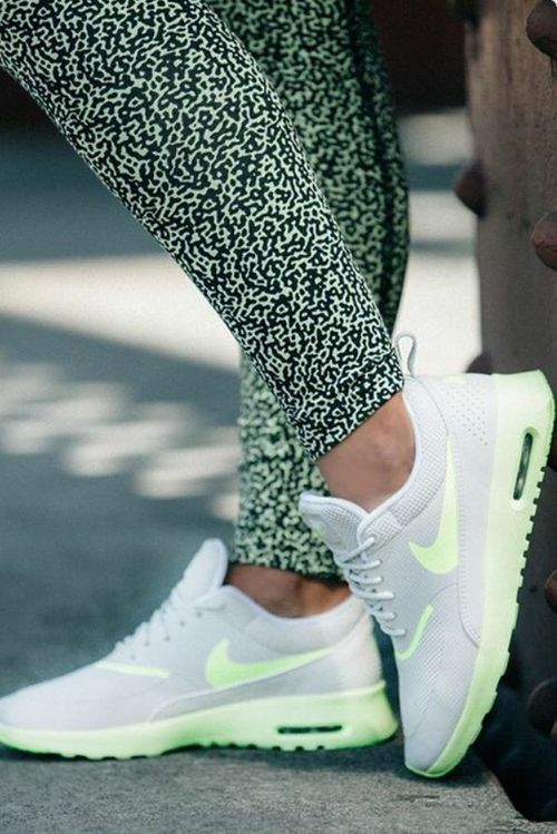 Nike air max thea zwart wit restock. See More. from Reshoevn8r · Deportivos