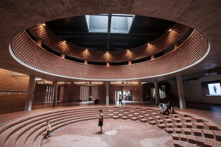 Dong Yugan's Brick Art Museum Through the Lens of He Lian,© Qingdao Zhiyi-jianzhu New Media Studio