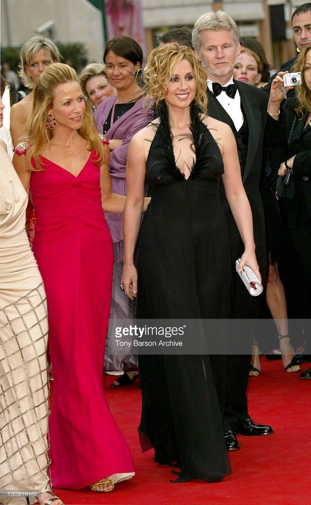 Photo d'actualité : Sheryl Crow and Lara Fabian during 2004 Cannes...