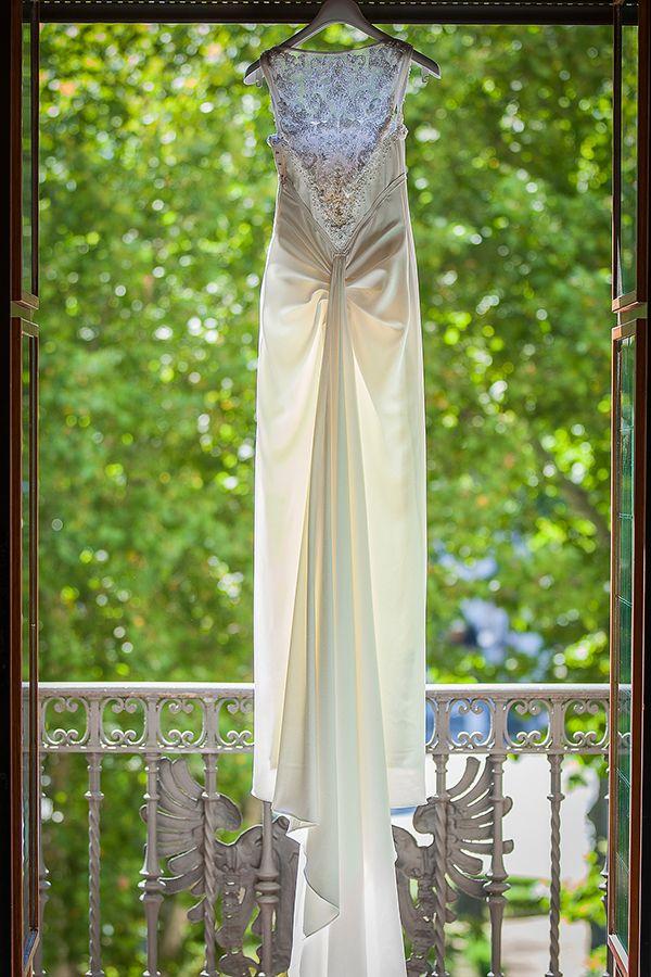 Espectacular el vestido de Katya, un diseño del diseñador Lorenzo Caprile #weddingdresses #bride #spain