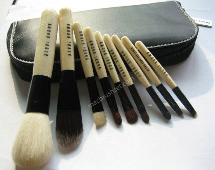 BB - Bobbi brown- Deluxe 9 pcs face makeup brush set with pouch $49.99 This