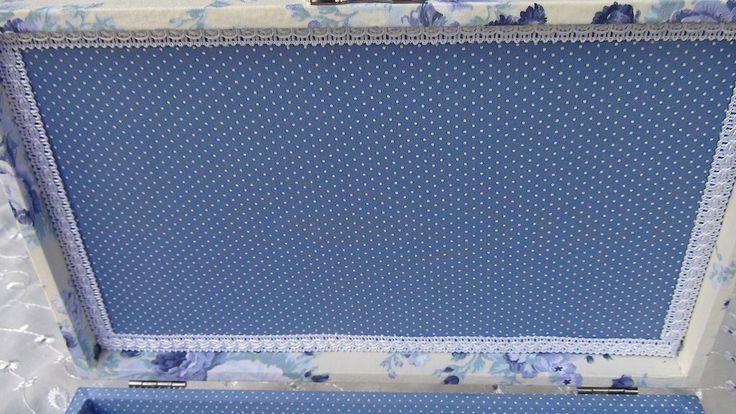 Caixa em MDF forrada com tecido 100% algodão.