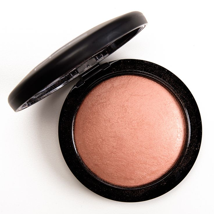 MAC Highlight the Truth & Taraji Glow Mineralize Skinfinishes Reviews, Photos, Swatches