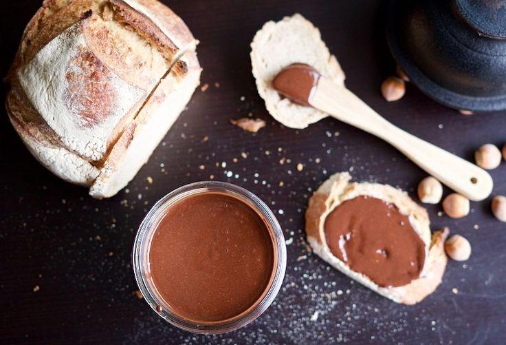 """Une recette inratable de Pâte à tartiner type """"Nutella"""" Thermomix sur Yummix • Le blog culinaire dédié au Thermomix !"""