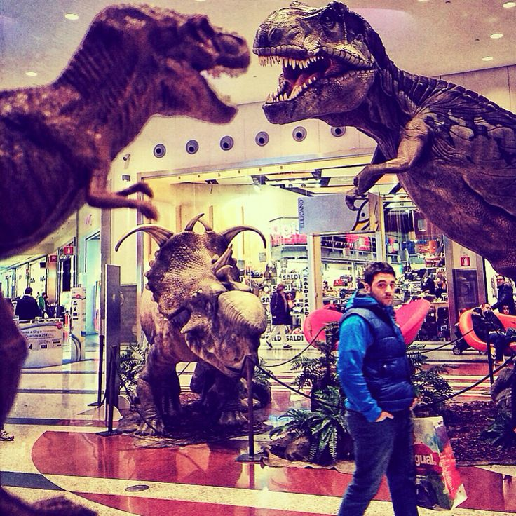 Ordinary T-Day at the shopping mall!  T-✌️