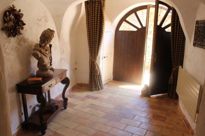 Entry hall / foyer