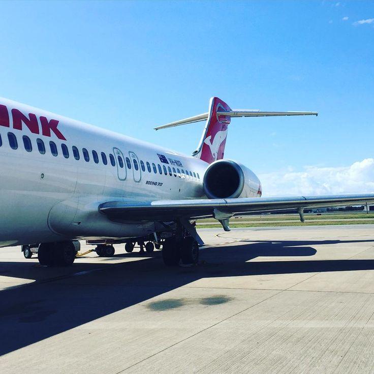 @slactosejarryd: Bye Brisbane, hello Hamilton Island. #qantas #boeing717 #sunshine #holidays