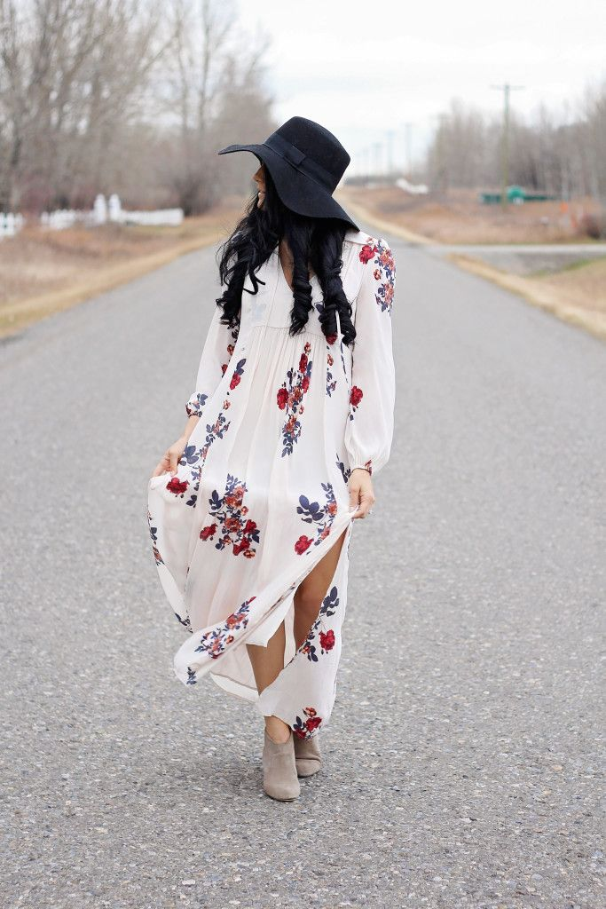 Fall white Maxi Dress with red and purple flowers paired with booties and black floppy hat