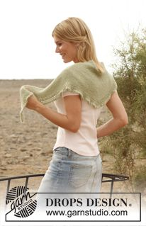 """Knitted DROPS scarf with flounce in """"Alpaca"""". ~ DROPS Design Fingering on 3.5mm/5"""