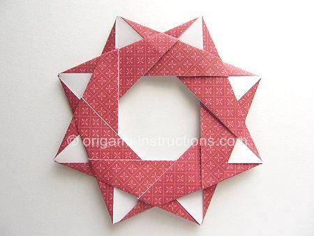 modular star wreath, 8 squares, quite flat good link to more tuts, tough