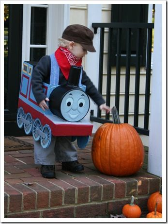 Thomas the train costume tutorial! aw he would love this