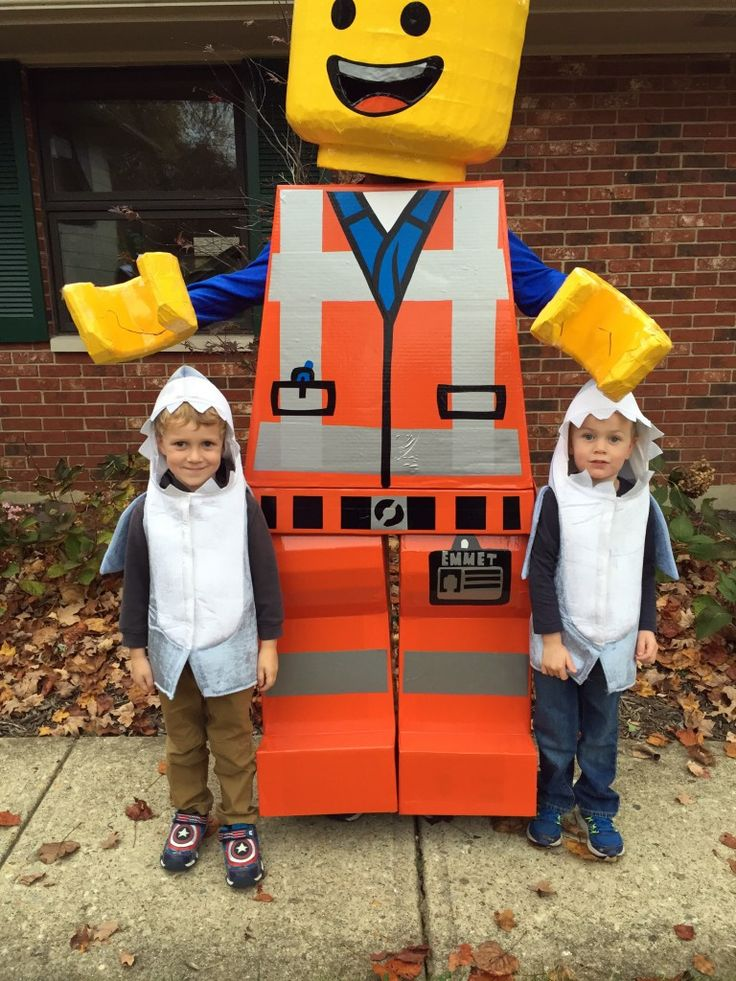 Building an Awesome Emmet Lego Halloween Costume | Christian Moist