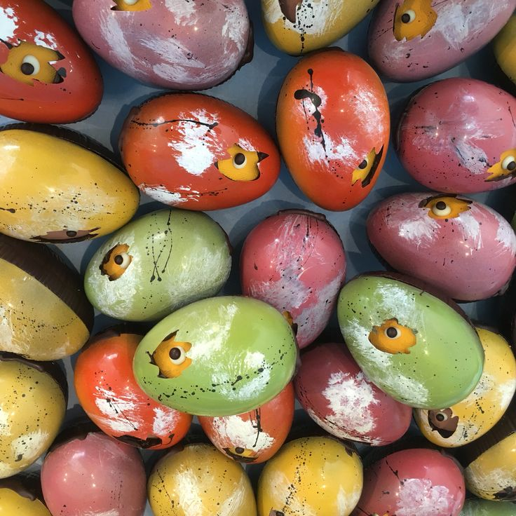Peek-a-boo eggs