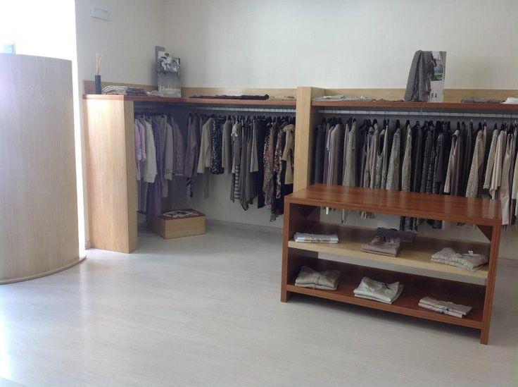 Oltre 25 fantastiche idee su interni di negozio su for Negozio di arredamento d interni