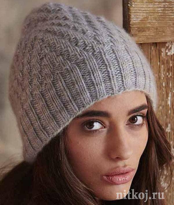 Женская шапка спицами