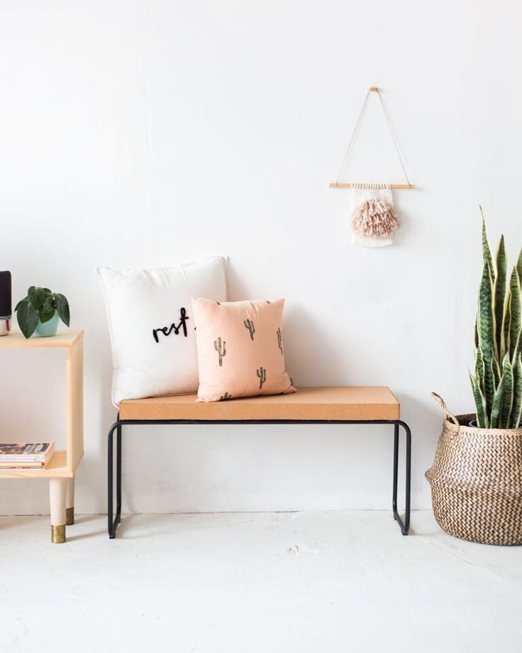 Need a little break from the festivities already? This DIY Cork Bench is an easy make for the weekend (and perfect for hosting but let's not think about that for now) Head over to the blog now to see the tutorial!