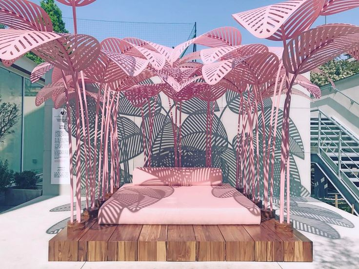 I'm here in Milan for the last day of design week with Lexus Design Award and Lexus International checking out all the most Instagram-able spots (is that even a word?!).La Refuge outdoor day bed by Marc Ange is one of these such spots. The shadow play is much better in full sun! LOVE! Inspired by the flamingo-pink and tropical leaves of Palm Springs California, this is the most Instagrammed product at Milan Design Week 2017