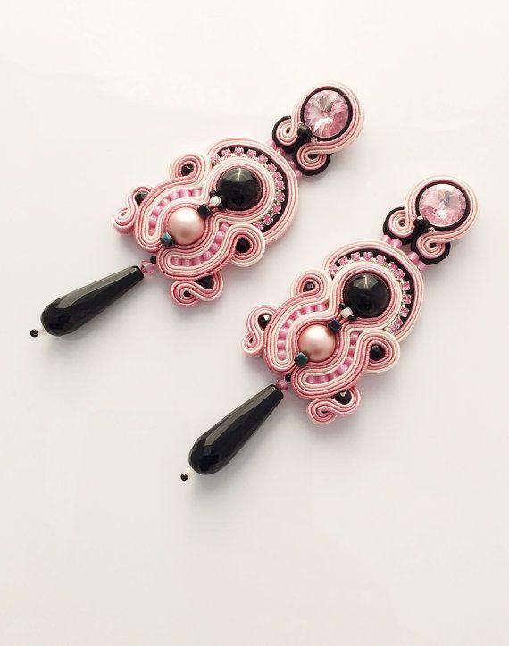 soutache earrings, dangle earrings in pink and black, pin up earrings, pendientes, orecchini, boucles d'oreilles