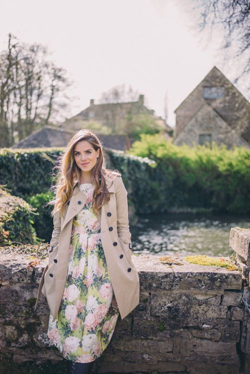 Gal Meets Glam Morning In Bibury - Burberry trench and ASOS floral dress