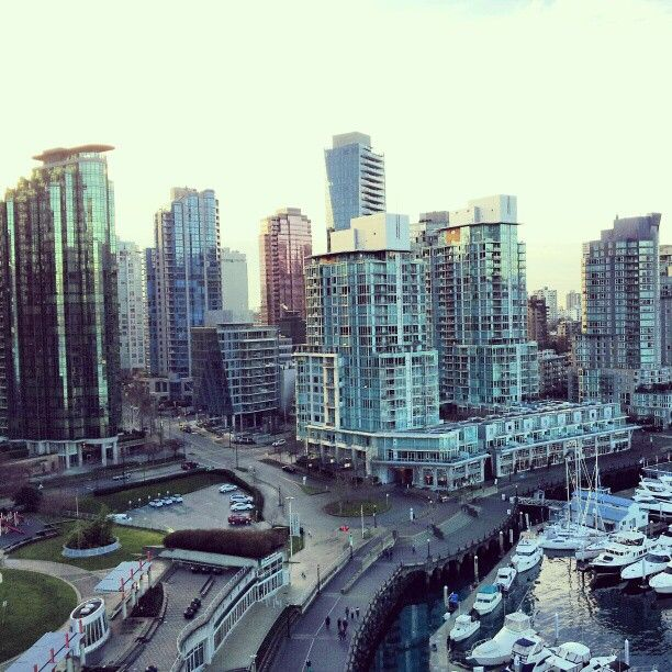 Great shot from high above the seawall! Photo by nimjay