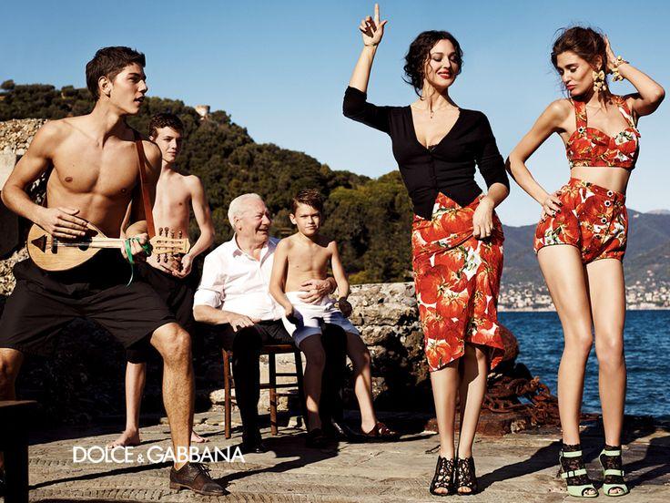 Monica Bellucci e Bianca Balti in Dolce e Gabbana Primavera / Estate 2012: tomato's fantasy!