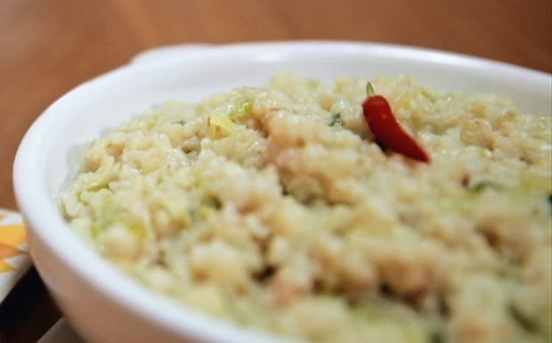 Risoto de couve-flor com alho-poró: receita da Bela Gil Um risoto fácil de preparar que rende até seis porções