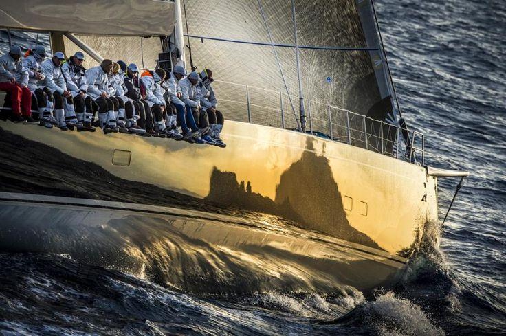 Yacht Racing Image of the Year 2012 - Kurt Arrigo : Capri, c'est loin d'être fini - Annonce bateaux - Annonces bateaux - Occasion Bateaux - Occasion Voiliers - Occasion voiles