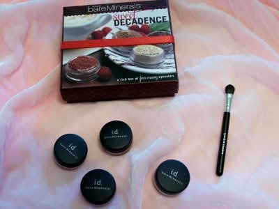 Bare Essentials Bare Minerals - the only face makeup I'll use now.