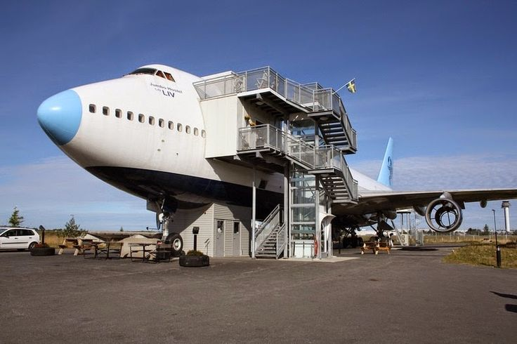 Jumbo Hotel: The jumbo boeing 747-200 recycled as a hotel - http://www.jumbostay.com/