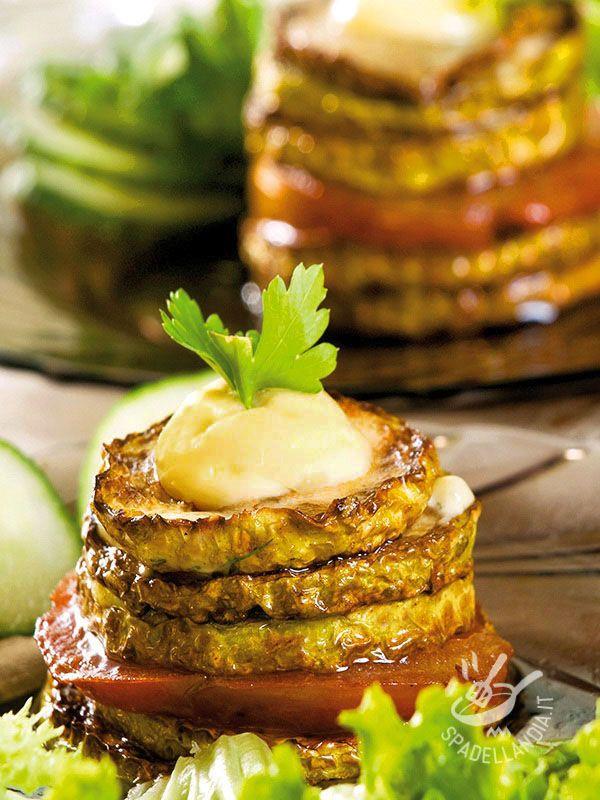 Melanzane con hummus di ceci: un modo sfizioso e insolito per portare in tavola un piatto a base di verdura, accompagnato da una buona crema.