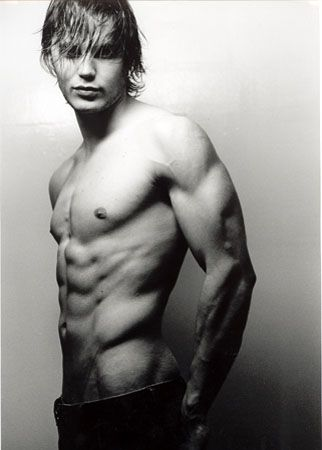 Taylor Kitsch       /wow
