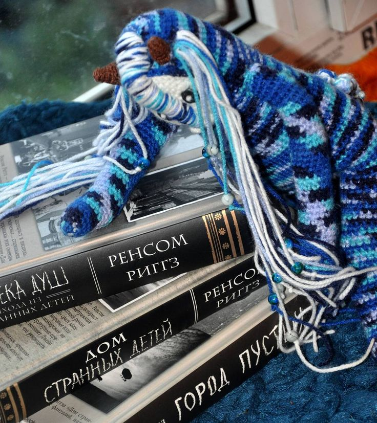 Потихоньку, понемногу... В ожидании экранизации. #weamiguru #хобби #хендмейд #рукоделие #вязание #вязаное #вязаниекрючком #doll #вязаныеигрушки #вязаныекуклы #amigurumidoll #amigurumi #crochet #knitting #faurik #амигуруми #gurumigram #handmadedolls #artdolls #craft #crochettoy#dolls #домстранныхдетей #ransomriggs
