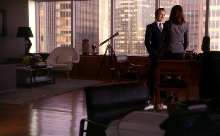Womb chair by Saarinen on The Good Wife. Season 1